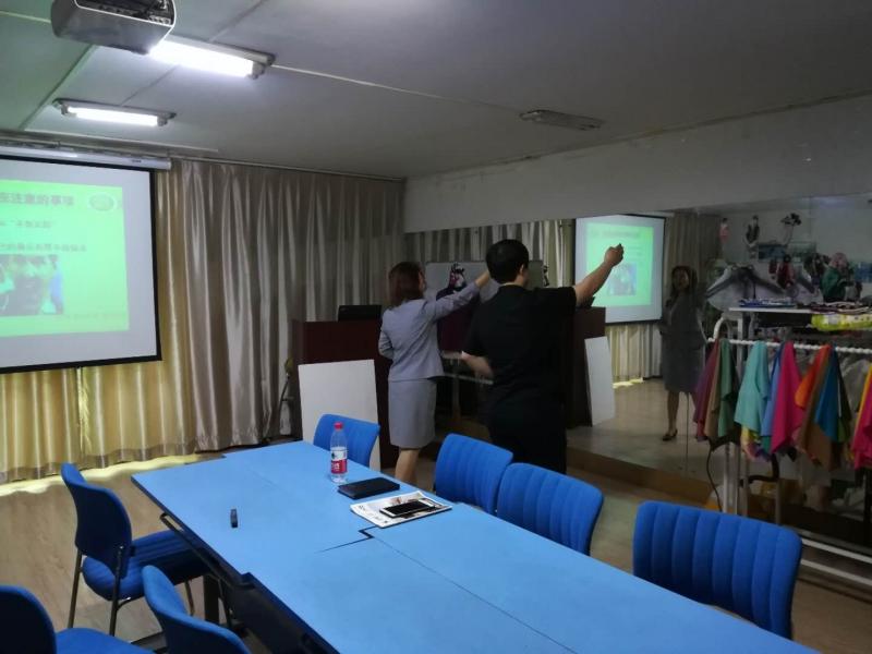 山东国际贸易专业王同学5天个人礼仪培训